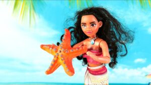 Moana Doll Beach Starfish and Shells Hunt Playing Doll